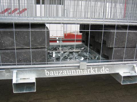 und 31 Beton- oder PVC-Standfüße